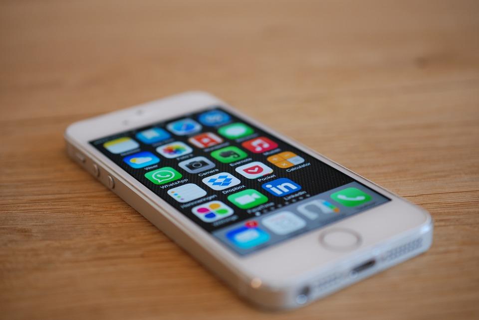 Разъем Lightning на iPhone 5