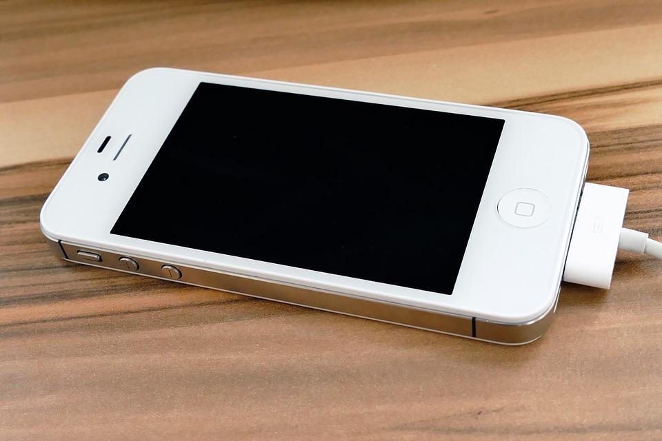 Ремонт экрана Айфон 4