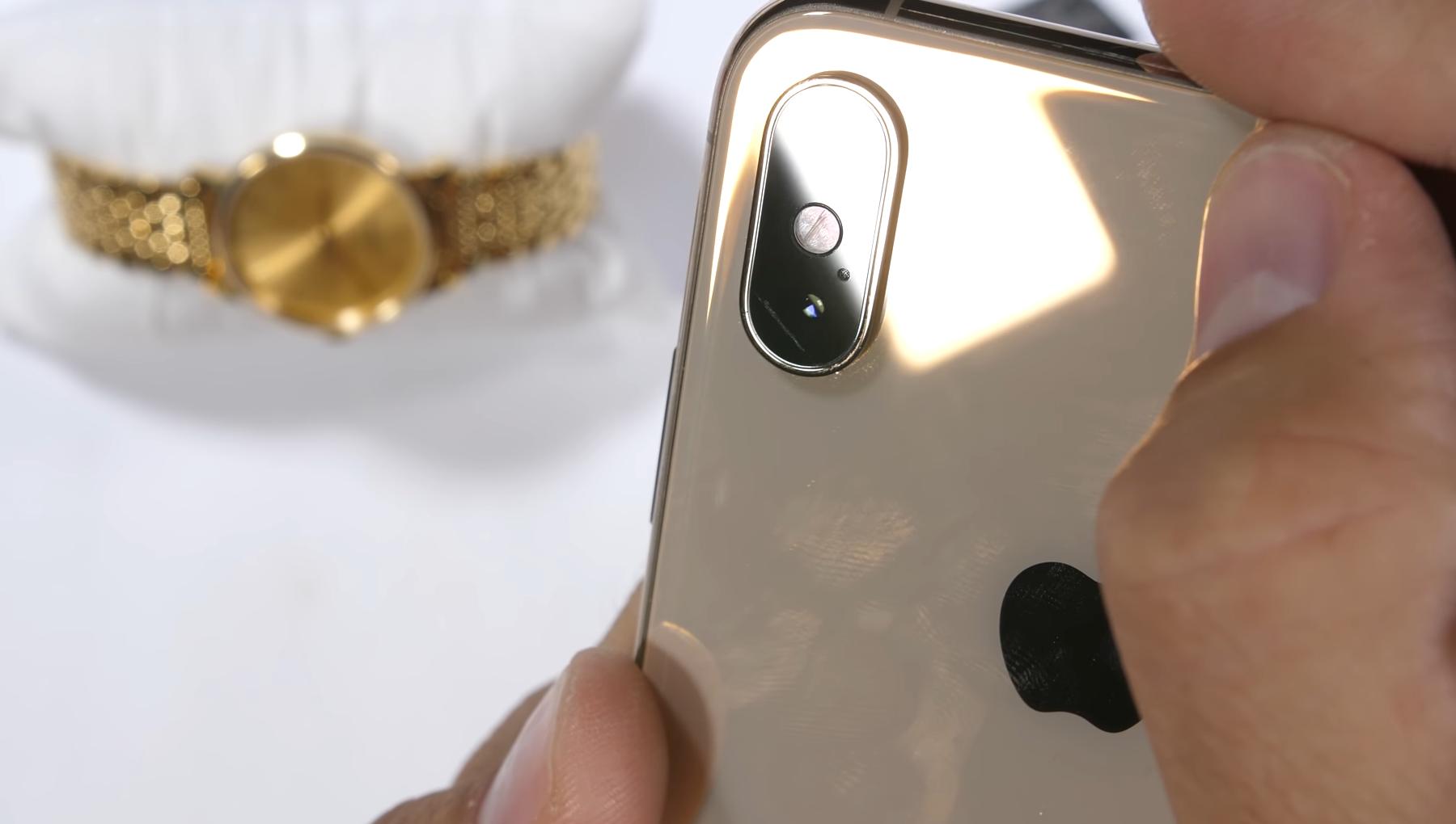 Камеры iPhone XS и XS Max трескаются так же, как и год назад - фото 1 | Сервисный центр Total Apple